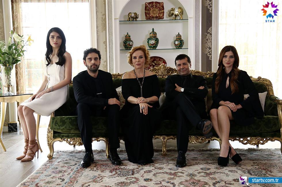 Yüksek Sosyete مسلسل الطبقة المخملية 1 التركي مترجم + تقرير