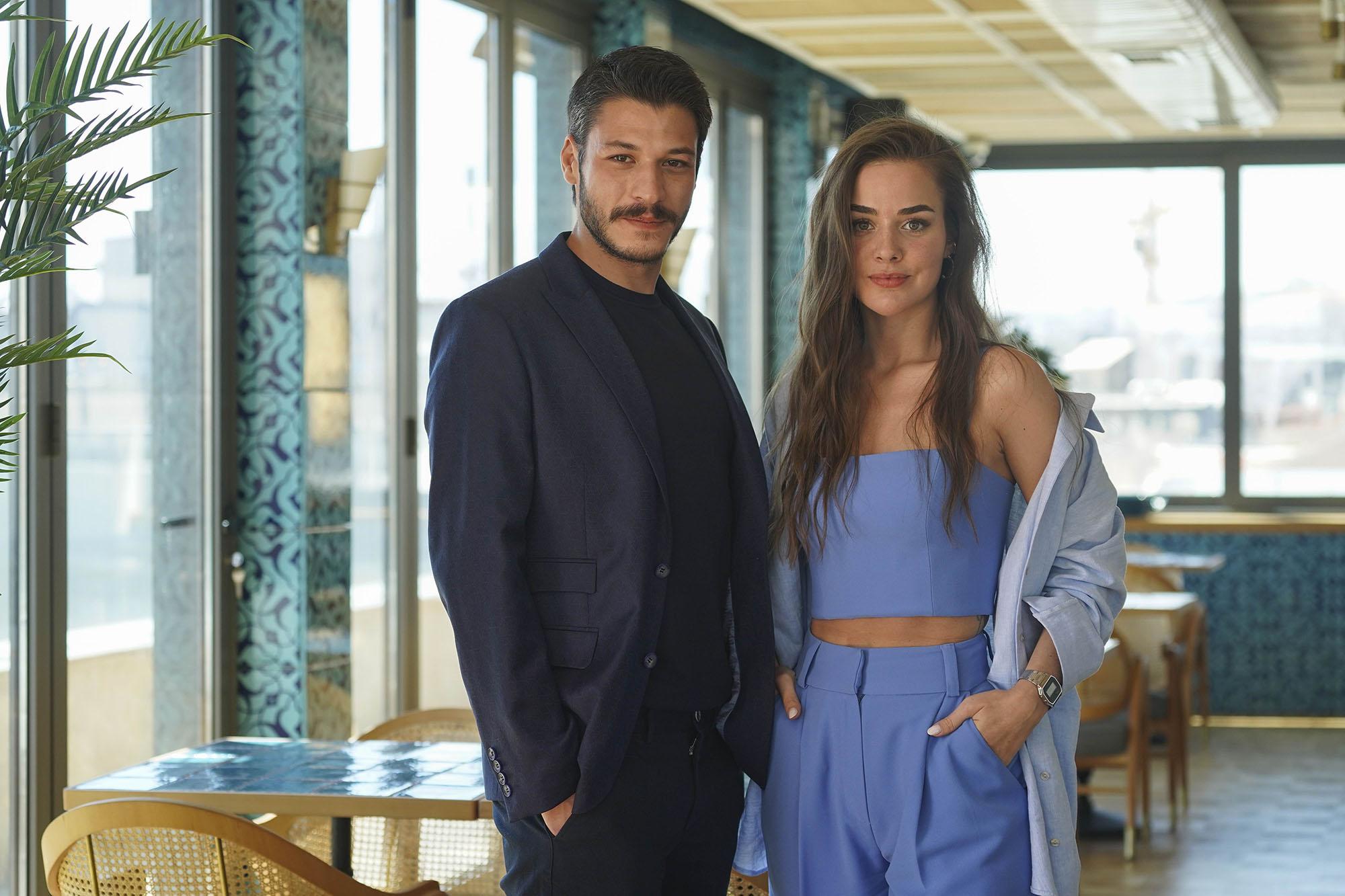2021 مسلسل أسقف زجاجية مسلسل أسقف زجاجية الجزء الأول التركي صور الأبطال + تقرير الموسم الأول مترجم . أسقف زجاجية